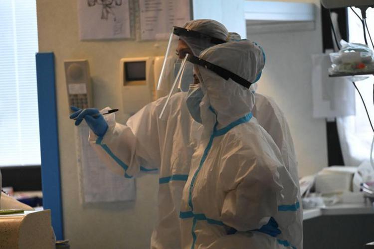 Coronavirus, 12.532 positivi e 448 morti: positività al 13,7%