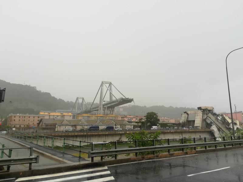 Crolla ponte a Genova, 20 morti tra cui un bimbo e 13 i feriti