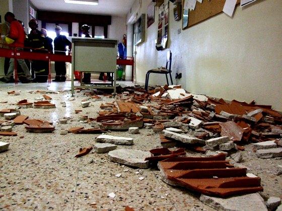 Maltempo, crolla il soffitto all'istituto Regina Margherita di Palermo