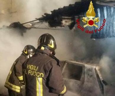 Incendiata l'auto di un prete in provincia di Crotone
