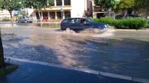 Piove da tre giorni a Crotone, in moto la macchina della solidarietà