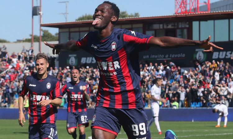 Il Trapani resiste a Crotone per  un solo tempo: poi incassa tre gol nella ripresa