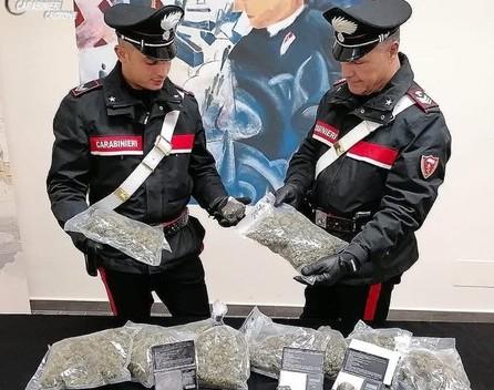Undici arresti per detenzione e spaccio di droga a Crotone
