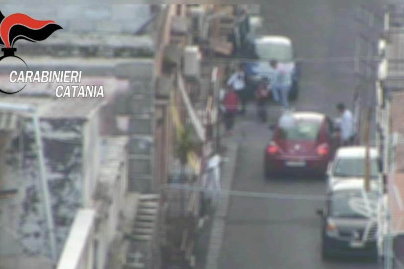 Traffico di cocaina e marijuana a Catania, scattano 29 arresti