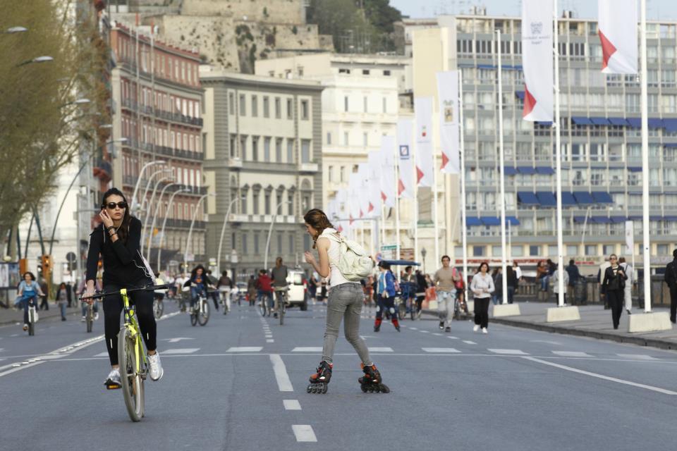 Catania, domenica ed il 2 giugno auto vietate nel tratto del lungomare