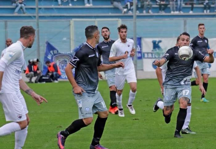 Il Trapani fa suo il derby e raggiunge il Catania