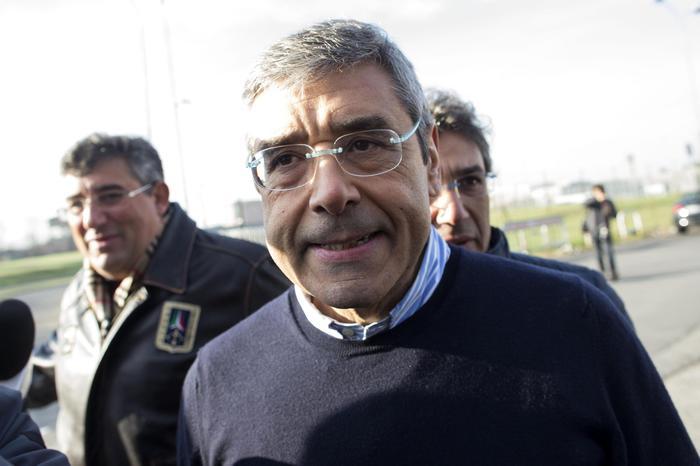 """Roma, Cuffaro esce dal carcere: """"Io ho pagato i miei errori altri no"""""""