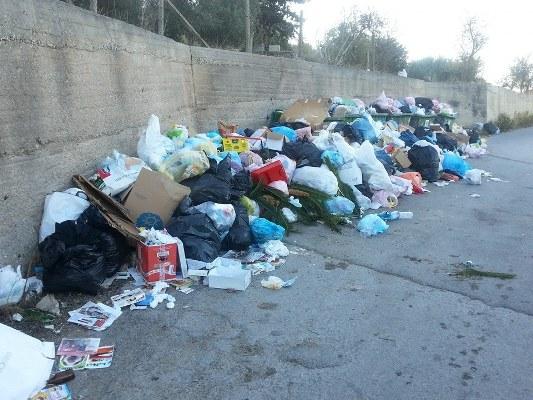 Cumuli di immondizia a Scicli, Forza Italia punta il dito contro l'amministrazione