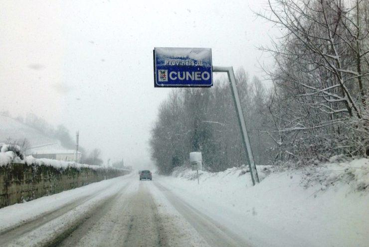 Maltempo: pioggia e neve in Piemonte, più colpito il Cuneese