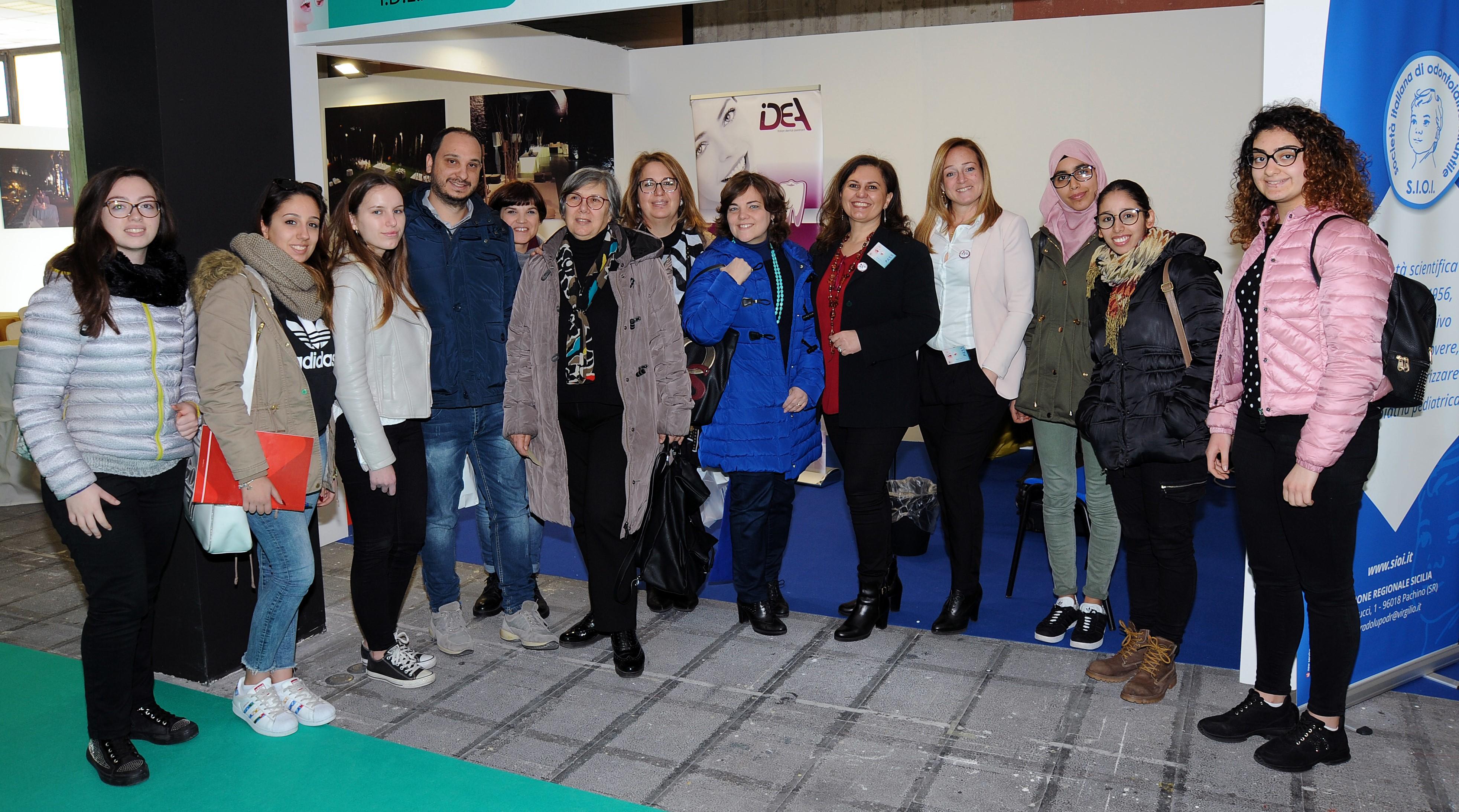 Ispica, gli studenti dell'odontotecnico alla Expo Odonto Sud a Catania