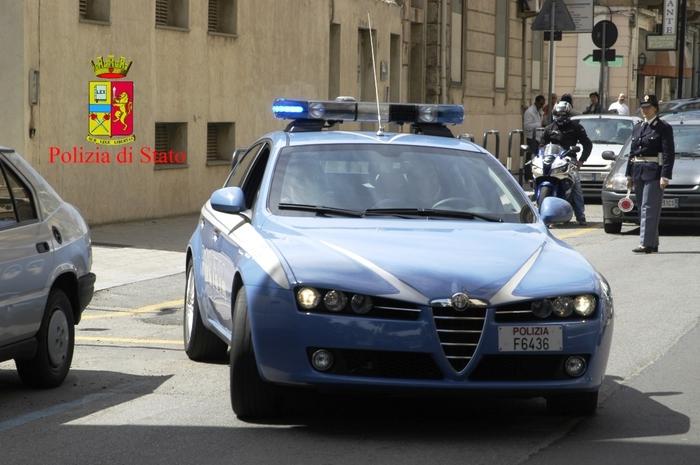 Maltrattamenti in famiglia e violenza sessuale, ludopatico arrestato a Catanzaro