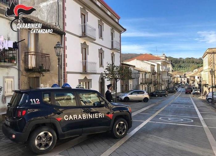 Abusa di una 13enne in provincia di Catanzaro: arrestato autotrasportatore