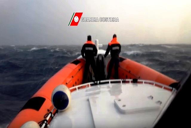 Tragedia in mare nel Catanzarese, morti due pescatori