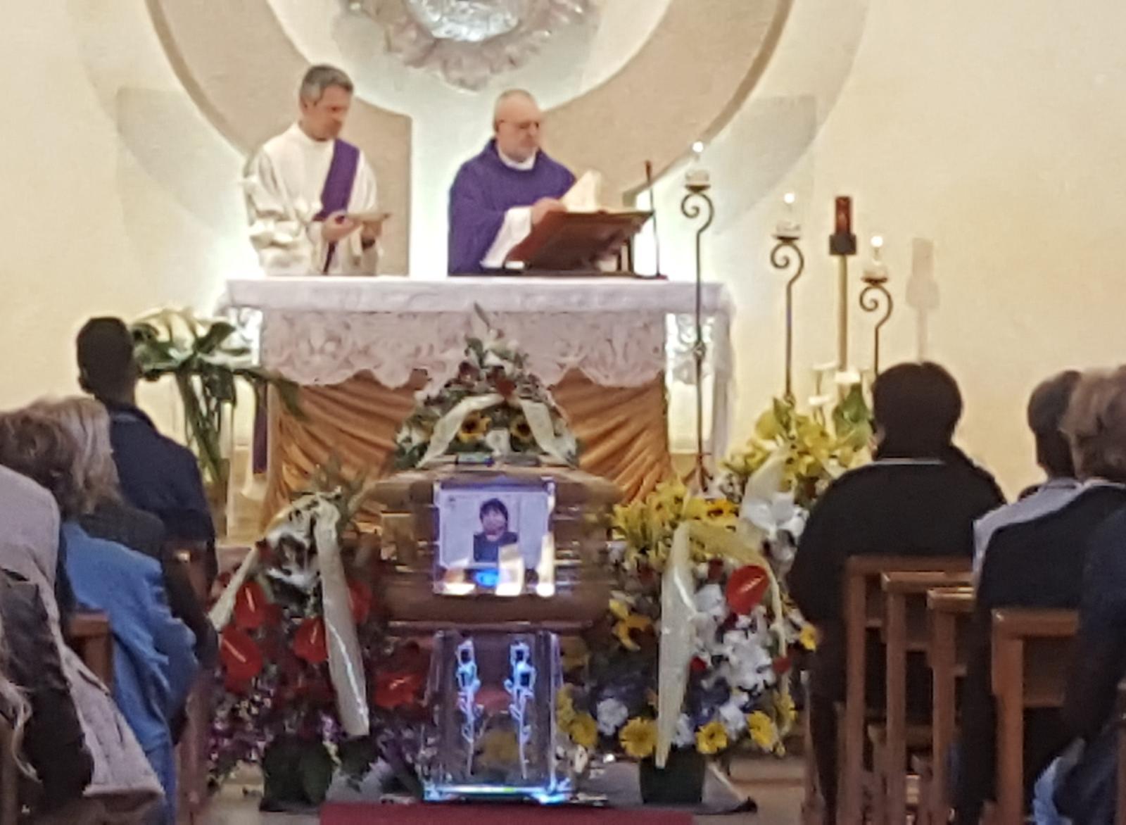 Floridia, bagno di folla a Santa Lucia ai funerali del trattorista