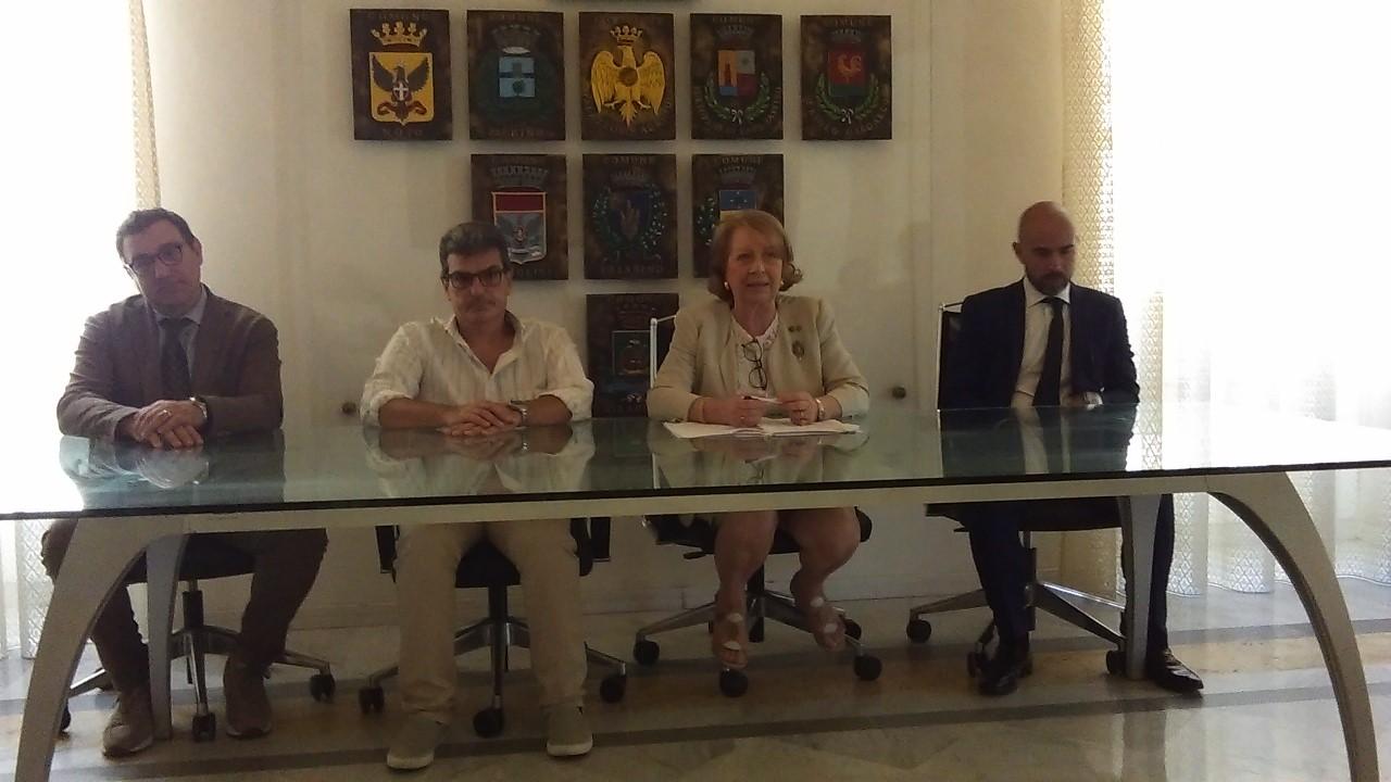 Siracusa: A.A.A. affittasi Frigomacello, Ostello e teatro Verga