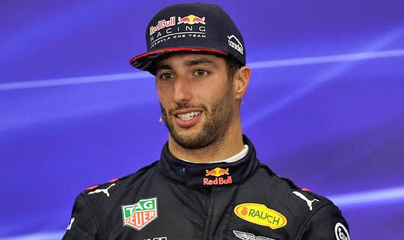 Formula 1, Ricciardo su Red Bull vince il Gran Premio della Cina