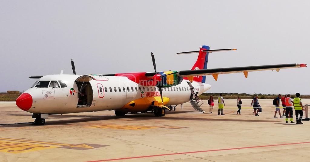Annullato il volo Lampedusa - Palermo: 37 restano a terra