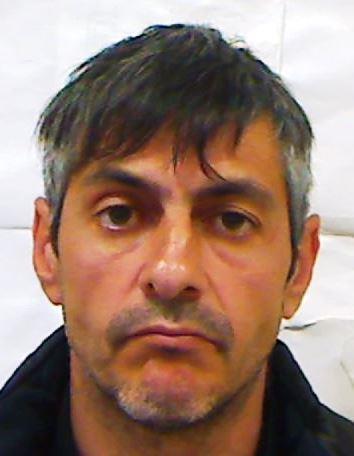 Catania, sorpreso a spacciare davanti al camposcuola: arrestato
