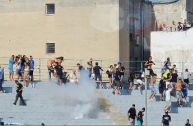 Il dopo partita Siracusa - Catania, il Questore emette quattro Daspo per ultrà azzurri
