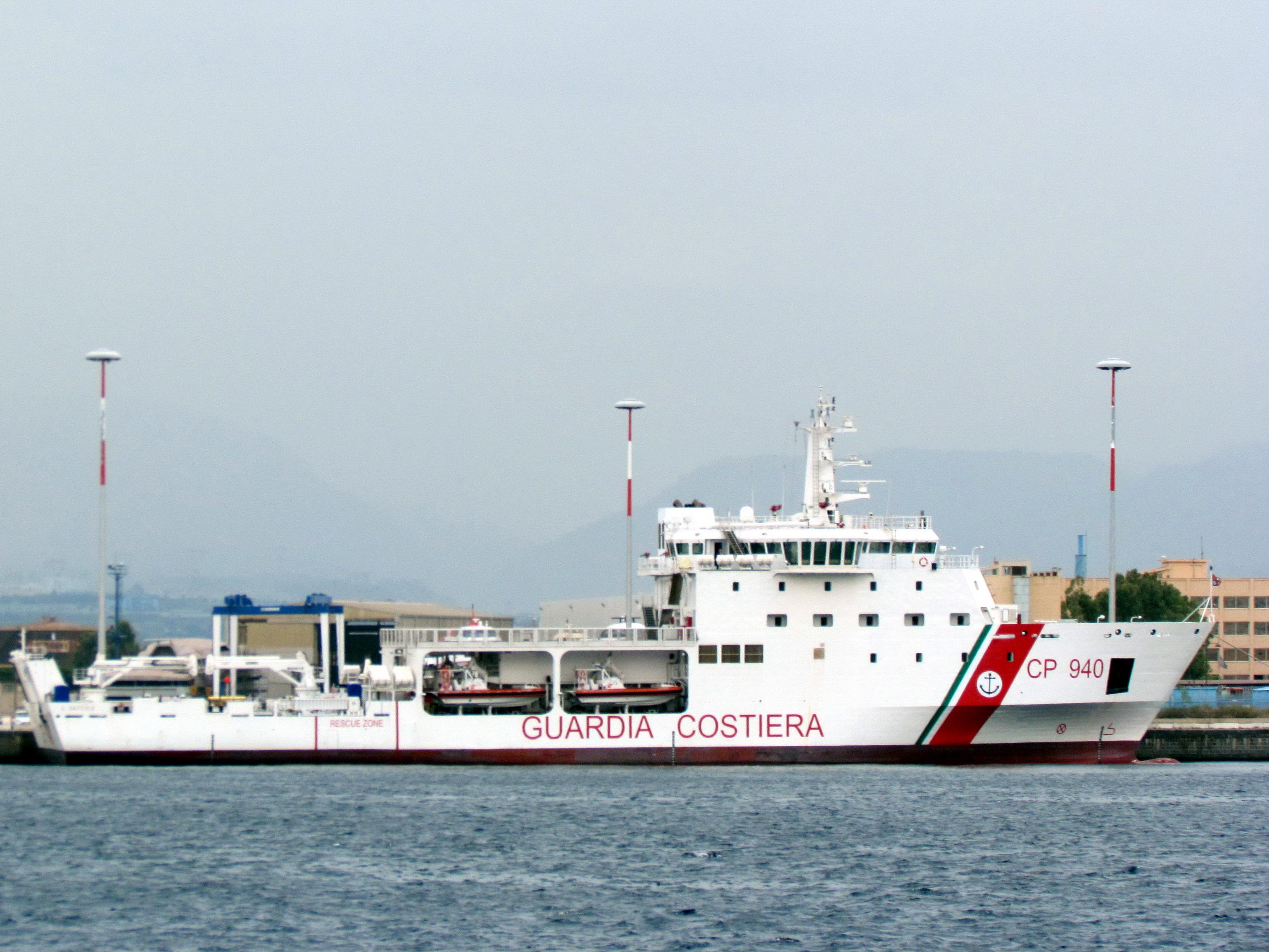 Sbarcati questa sera al porto di Trapani 798 migranti
