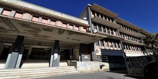 Gli scarichi fognari non funzionano evacuata una scuola a Modica