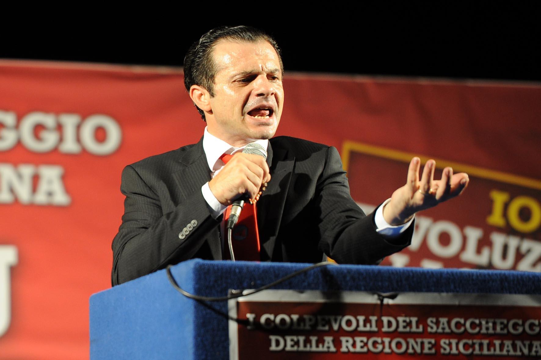 Messina, Cateno De Luca si è dimesso da deputato regionale