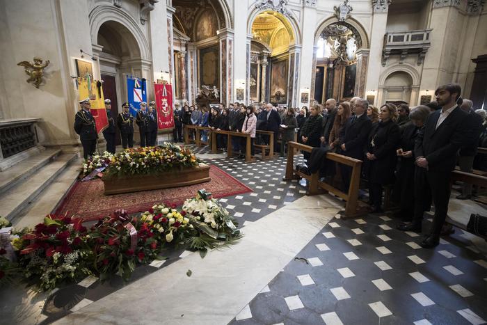 Teatro, a Roma l'ultimo saluto a Luigi De Filippo
