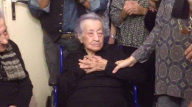 Festa a Canicattì, zia Dedè festeggia il 113esimo compleanno