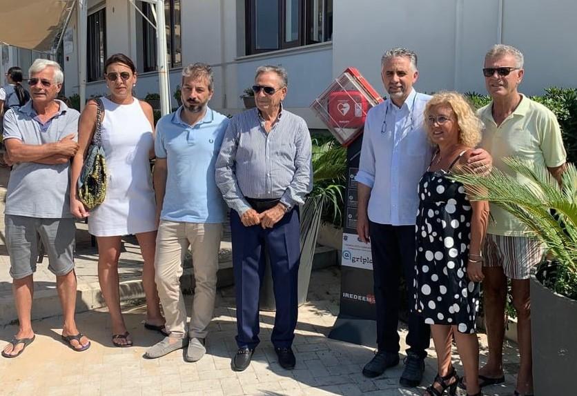 Marina di Modica, un defibrillatore installato in piazza Mediterraneo