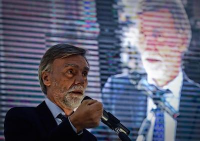 Referendum, Delrio:
