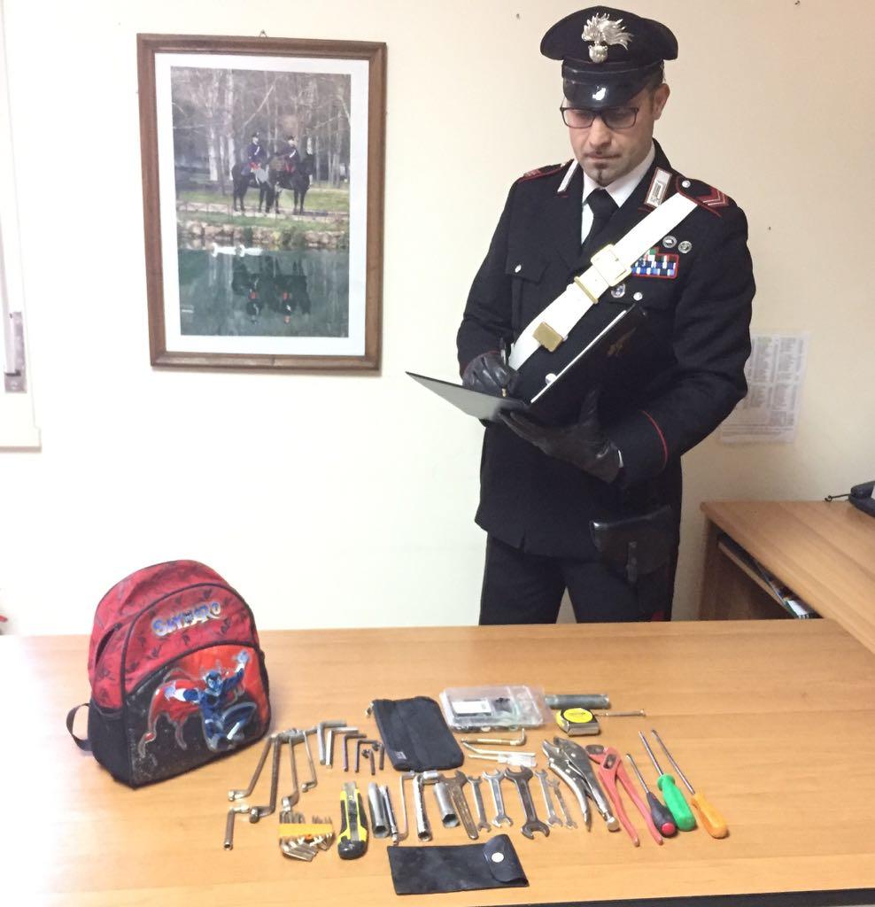 Belvedere di Siracusa, baby gang di ladri tentava un furto a scuola