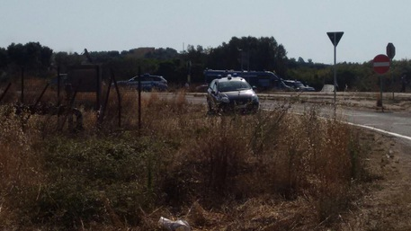 Depuratore Manduria, avanzano ruspe: i cittadini protestano