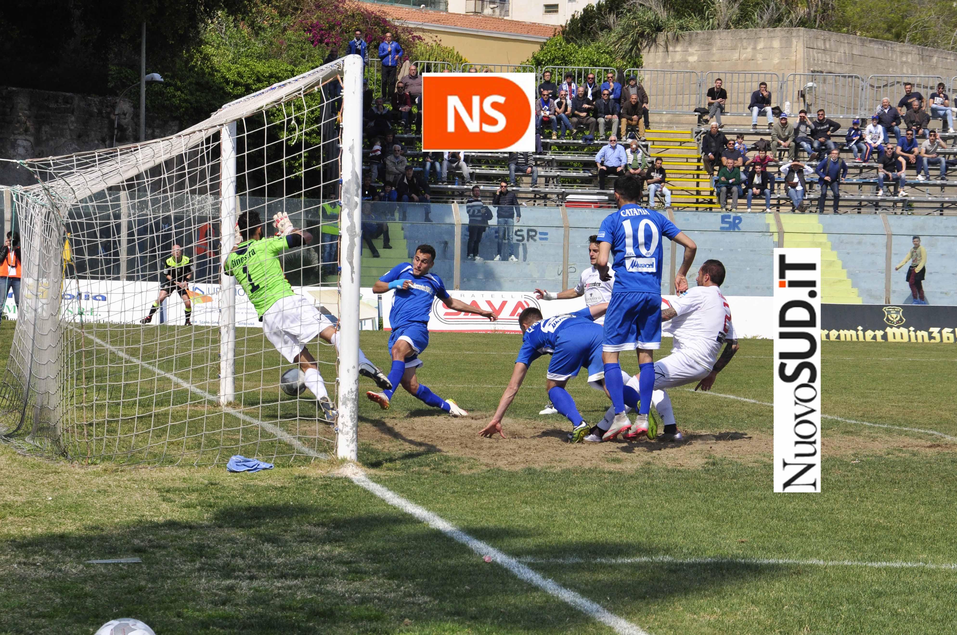 Il Siracusa torna a vincere, batte la Casertana ma il risultato è bugiardo ( 2 - 1 )
