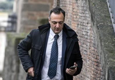 Corruzione, De Vito (M5s): l'ex presidente capitolino non risponde al Gip