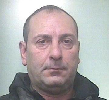 Carlentini, produce e smercia droga: una persona arrestata