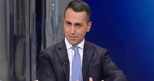 """In Italia """"non Hitler ma piccoli Mussolini"""": è scontro Di Maio - Moscovici"""