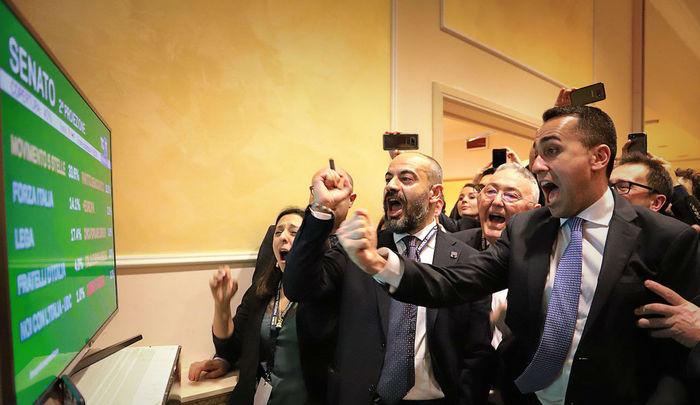 Il dopo elezioni, è corsa verso il Colle tra Di Maio (M5s) e Salvini (Lega)