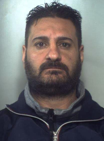 Catania, è indagato per mafia: lo portano in carcere