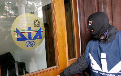 Lecce, rapine e corruzione: la Dia gli confisca un impero immobiliare