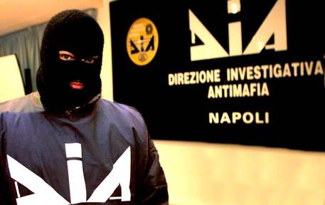 Camorra a Napoli: blitz contro i Casalesi, arrestate le figlie del boss