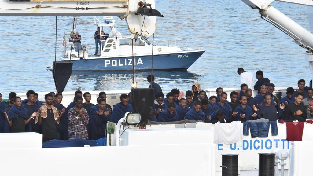 """La Procura di Palermo chiude indagini su scafisti della """"Diciotti"""""""