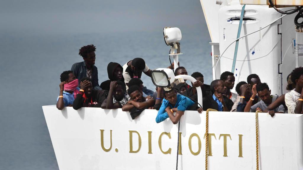 E' arrivata nel porto di Pozzallo nave Diciotti con 519 migranti