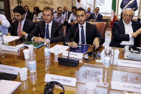 Bozza di accordo sull'Ilva, Di Maio: entro il 2018 10.100 assunzioni