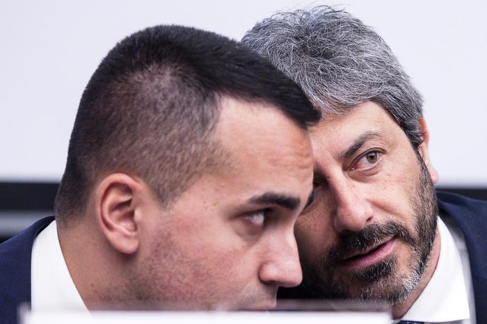 """Cinque deputati chiedono il bonus partite Iva, Di Maio: """"Si dimettano"""""""