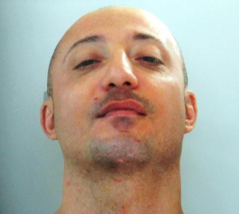 Siracusa, finisce ai domiciliari per furto, rapina e violazione del Daspo