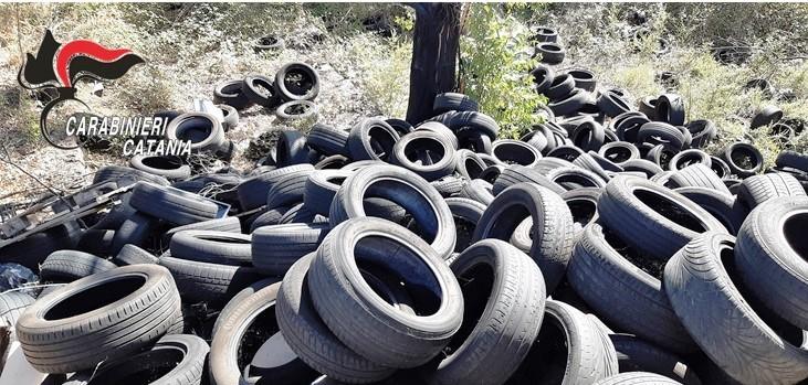 Sversa pneumatici in un'area di  Piedimonte Etneo: denunciato