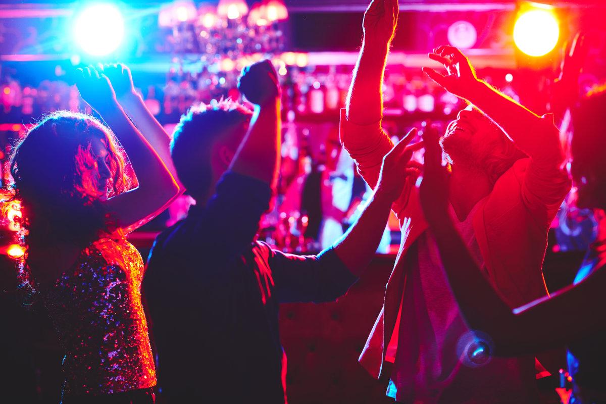 Una villa di Siracusa trasformata in discoteca: diffidato il proprietario