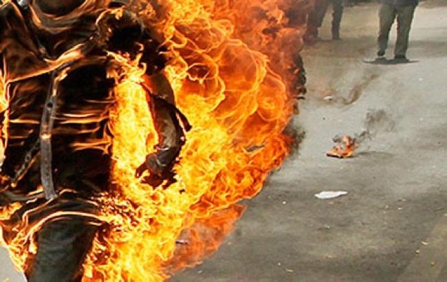 Disoccupato siracusano si dà fuoco tra Cassibile e Floridia: corpo devastato dalle ustioni
