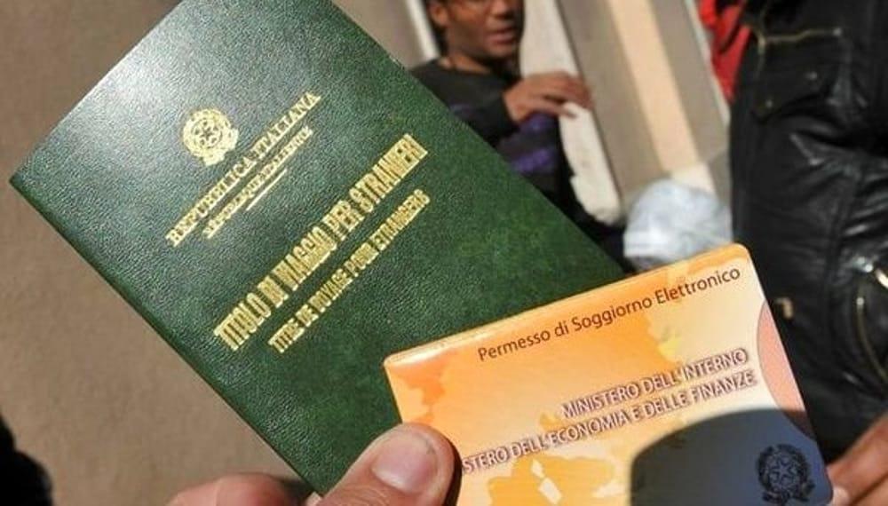 Documenti falsi per il permesso di soggiorno, denuncia a Catania