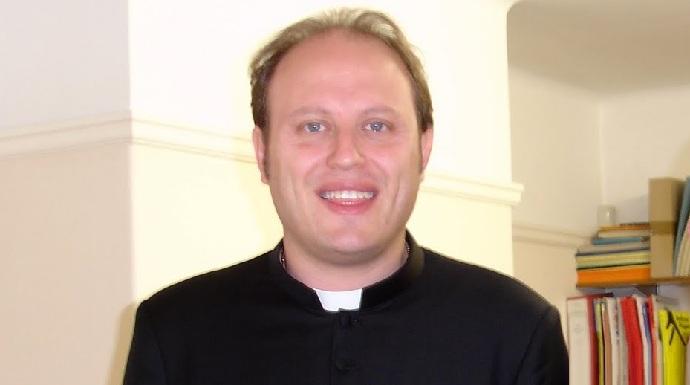 Esorcismi e abusi, al via nel Casertano il processo contro un prete orco